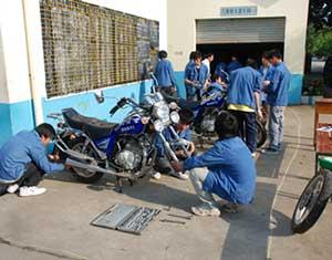 小涛摩托车修理部
