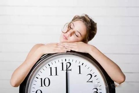 睡多长时间合适? 睡眠时间过长小心会疾病缠身