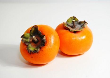 吃柿子有什么好处_吃柿子有5个好处吃时必知6个注意事项